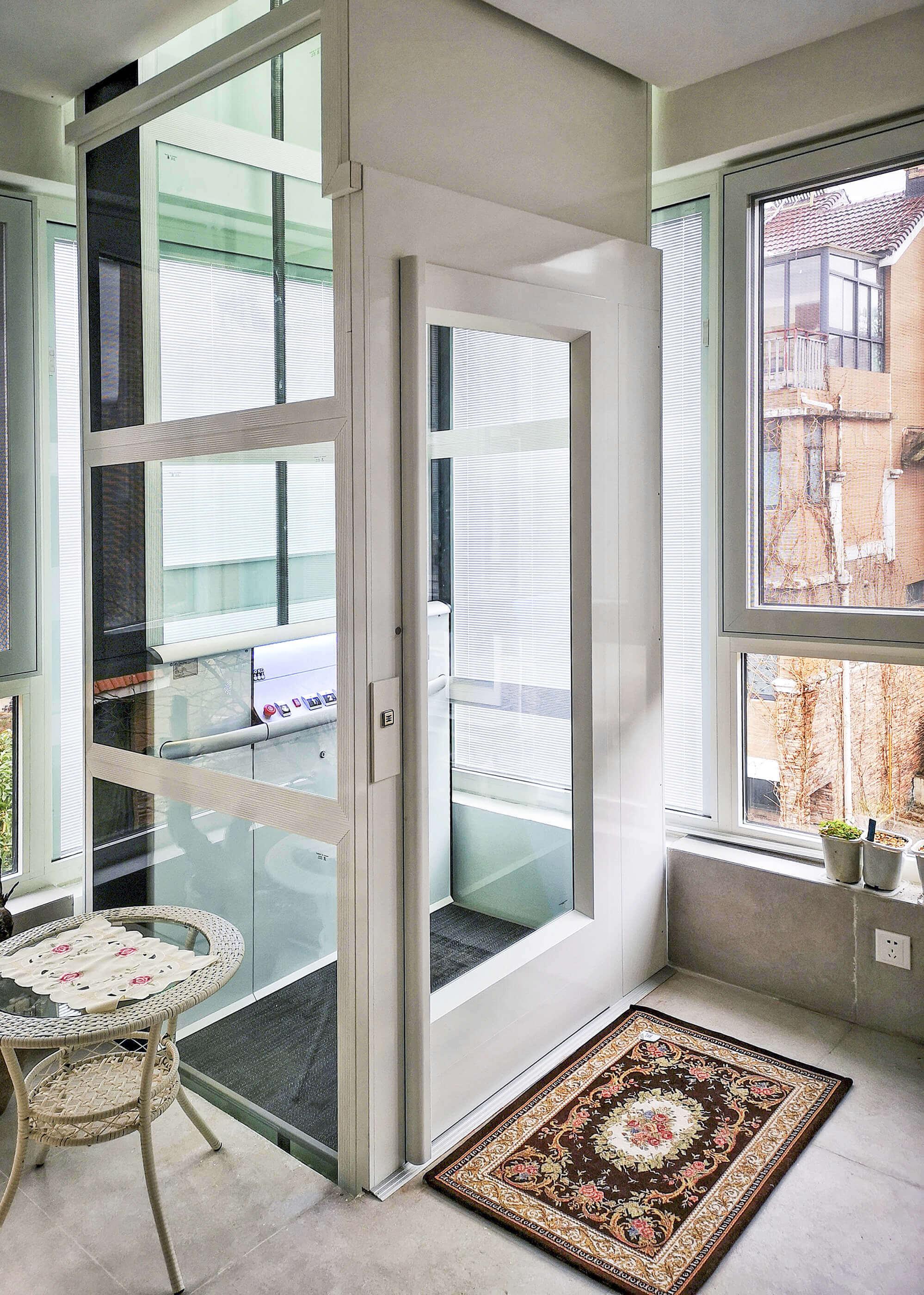 Élévateur vertical dans un appartement