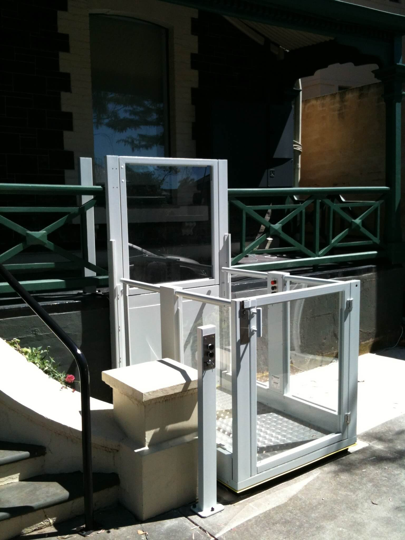 Installation d'une plateforme élévatrice