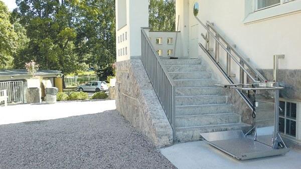 Plateforme monte-escalier chez un particulier